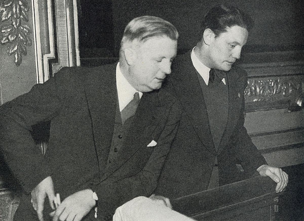 Fritz Busch (dirigent) och Hans Busch (regissör) - far och son - under samarbete med Così fan tutte i Stockholm 1940. Då var Danmark och Norge ockuperade av Hitlertyskland.