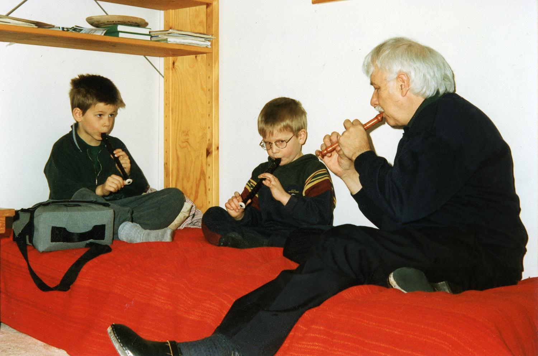 Blockflöjtsensemble 1995 Anton (7 år), Erik (5 år), Ingemar (60 år)