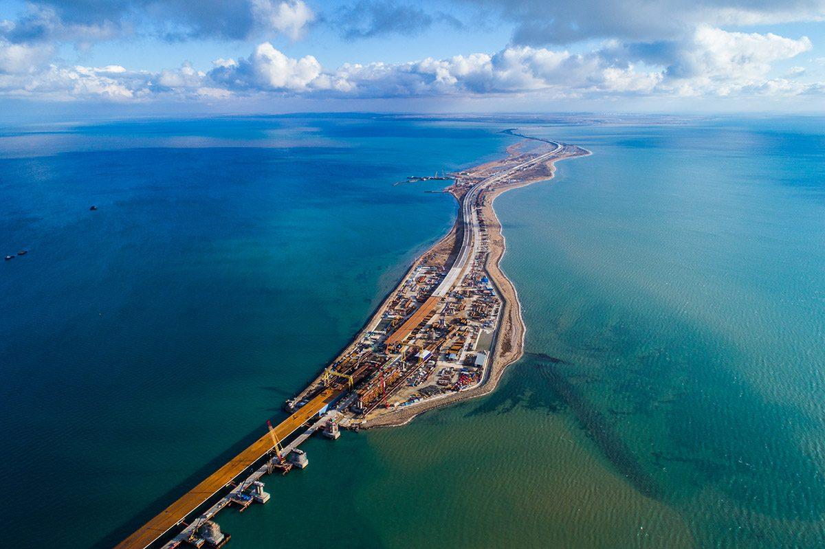 KRIM-BRÜCKE von Osten – Крымский мост