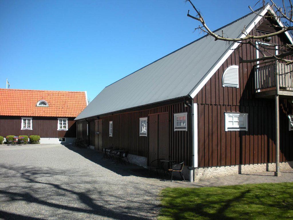 Gårdsplan 3 Birgit Nilssons 'Svenstad'.